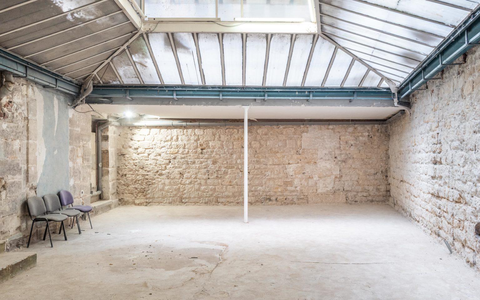 Paris 75004 Bureaux Local commercial Atelier Loft Bureaux atypiques à vendre